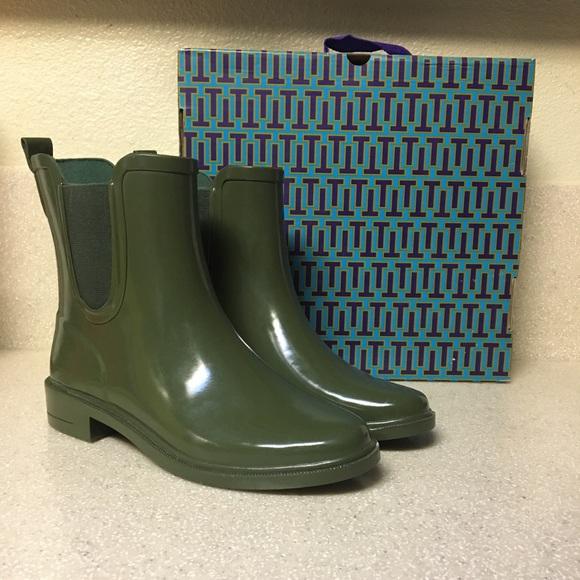 f19455538e3 Tory Burch Stormy Rain Bootie Green Size 7. M 5a907f713a112e8c38b505b6